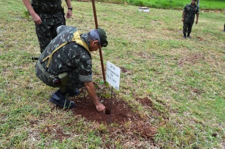7fddb4d53fa7b registrado em  2015 - Nov - Visita do Comandante Militar do Planalto